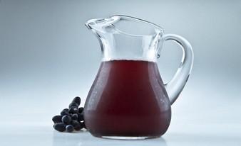 неожиданный сок и минеральная вода