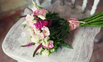 прекрасный букет из цветов