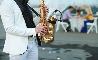 душевный саксофонист